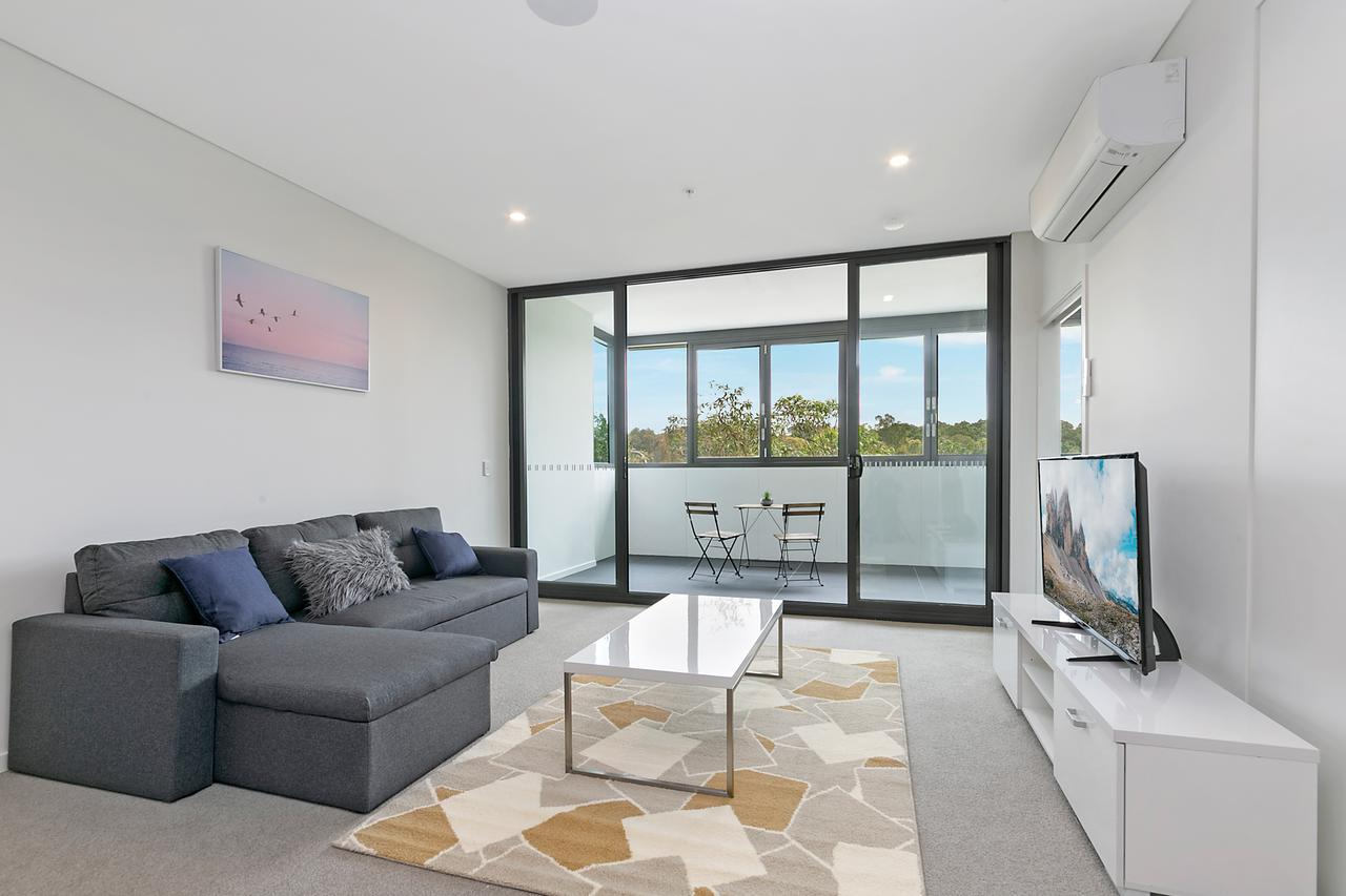 Stylish and Neat two bed apartment in Wentworth Point - Accommodation in Brisbane