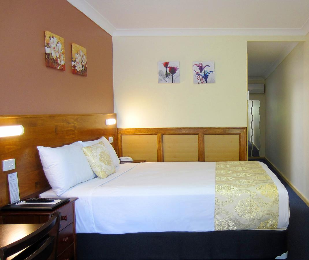 Highway Motor Inn Taree - Accommodation in Brisbane
