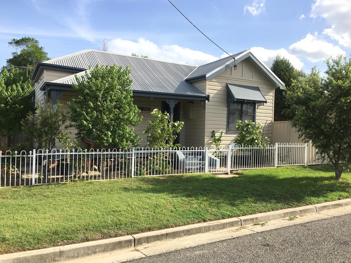 Caledonia Cottage - Accommodation in Brisbane