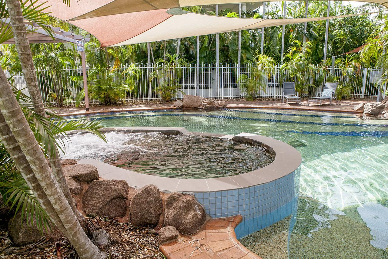 Nightcliff Foreshore Getaway - McKay Gardens - Accommodation in Brisbane