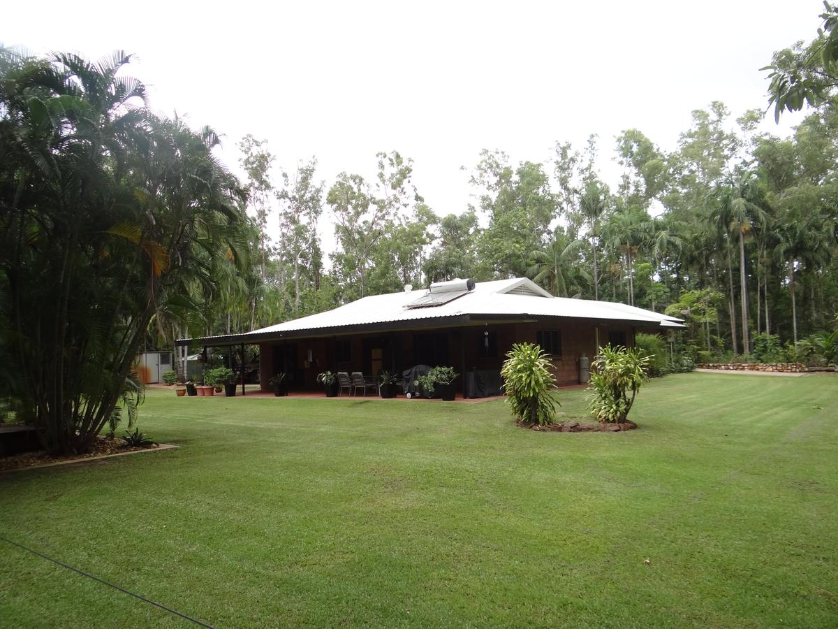 DARWIN'S SHADY ACRES RETREAT - Accommodation in Brisbane