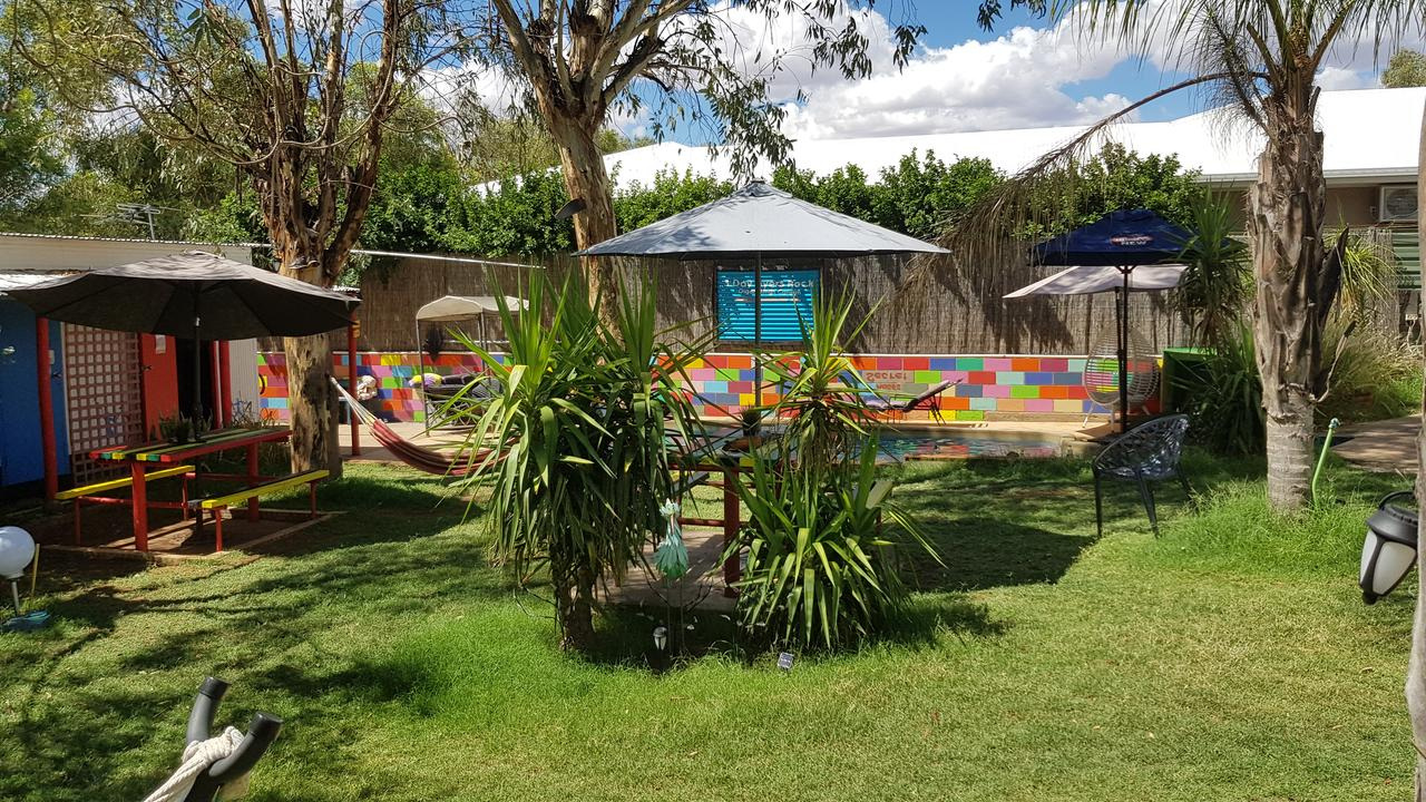 Alice's Secret Travellers Inn - Accommodation in Brisbane