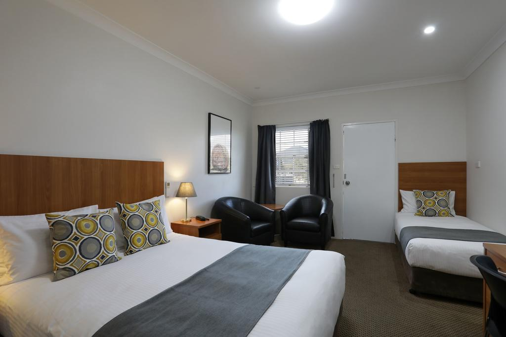 Cadman Motor Inn and Apartments - Accommodation in Brisbane