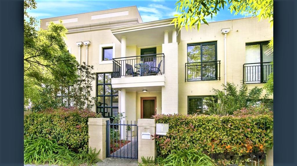 Campbelltown Most Sought After Park Central Home - Accommodation in Brisbane