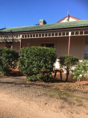 Catania Cottage  Farmhouse - Accommodation in Brisbane