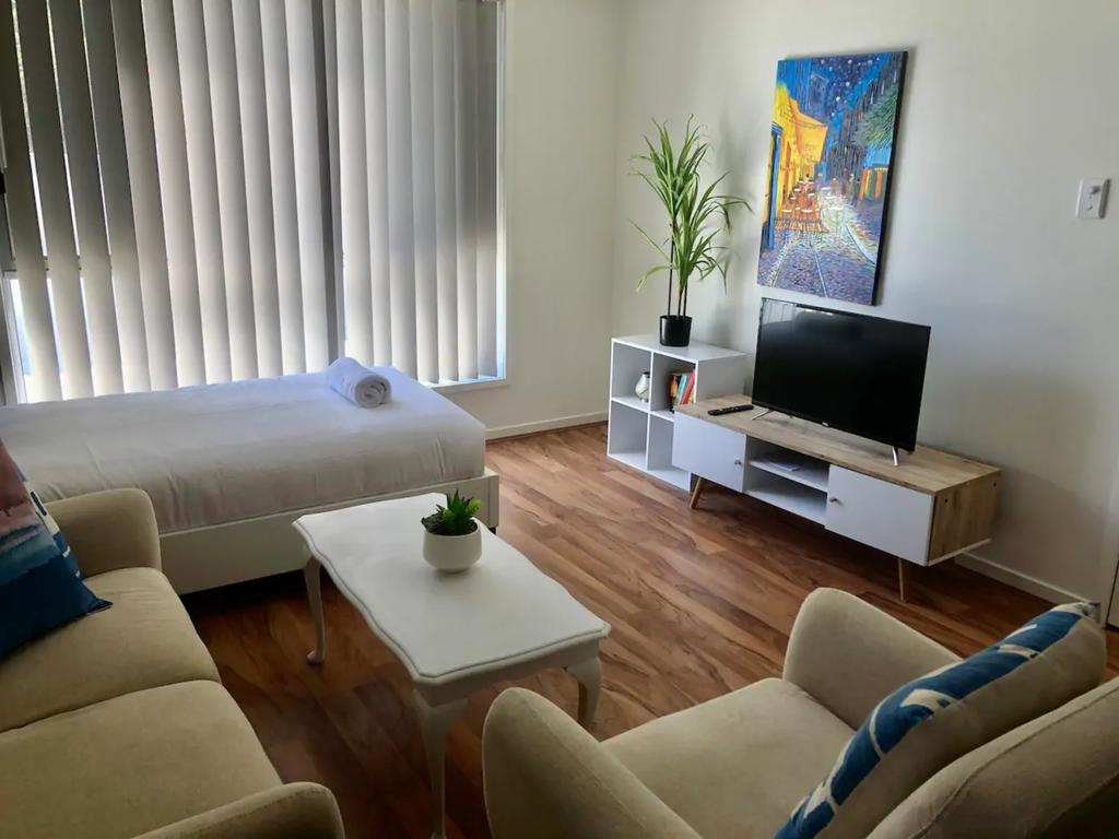 Modern Unit Near To Surfers Paradise - Accommodation in Brisbane