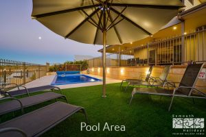 7 Kestrel Place - PRIVATE JETTY  POOL - Accommodation in Brisbane