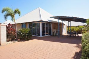 Osprey Holiday Village Unit 122/2 Bedroom - Perfectly neat and tidy apartment - Accommodation in Brisbane