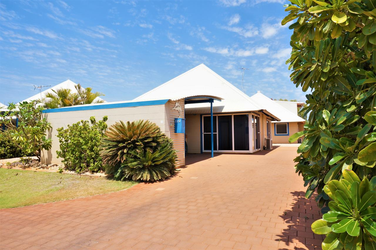 Osprey Holiday Village Unit 119 - Close to the pool - Accommodation in Brisbane
