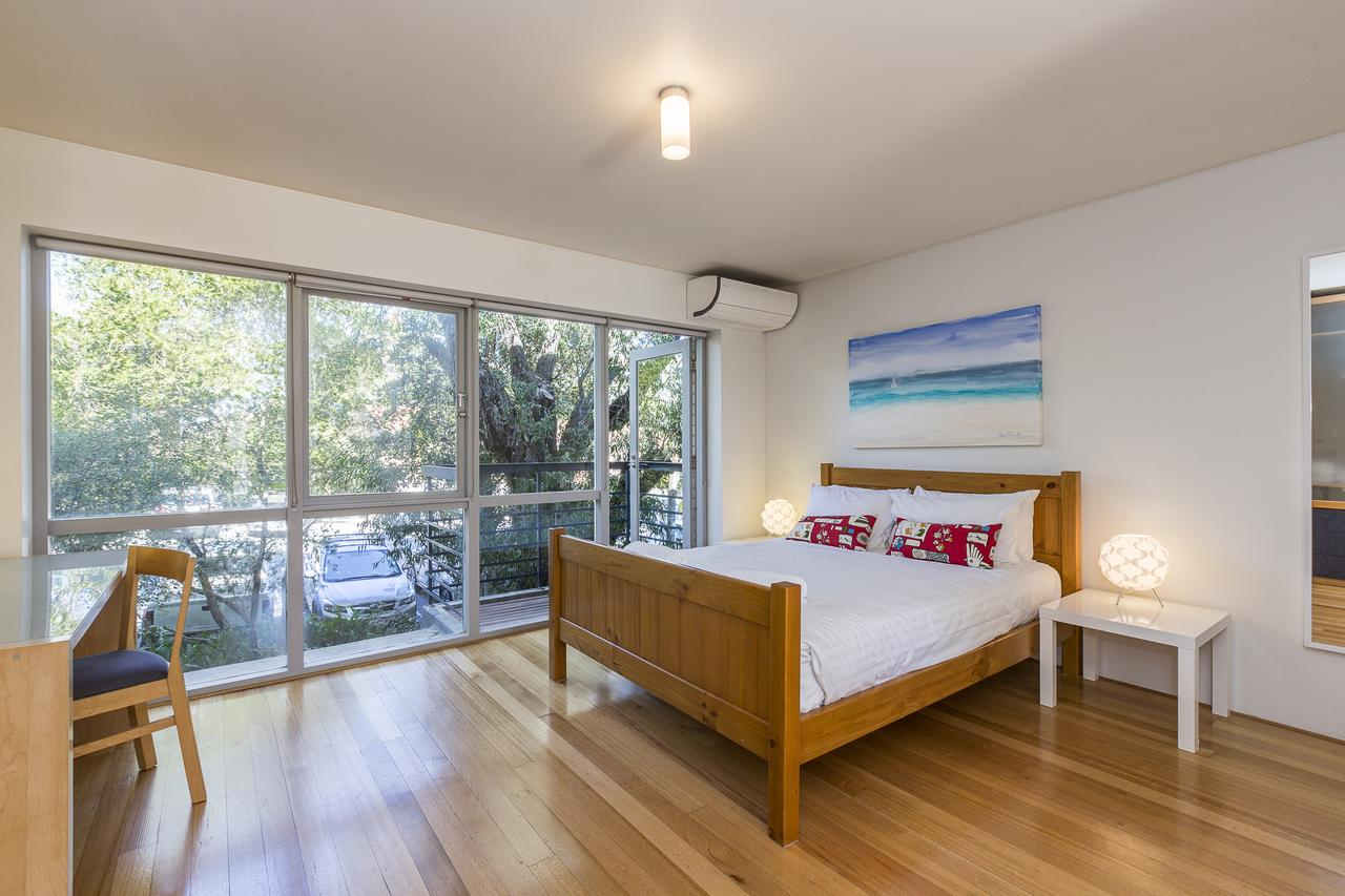Cottesloe Tree Top Studio - Accommodation in Brisbane