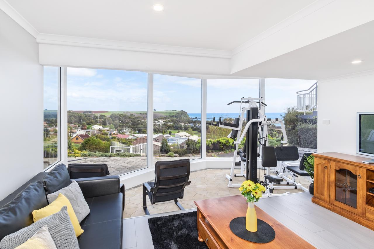 Views Forever - Devonport - Accommodation in Brisbane