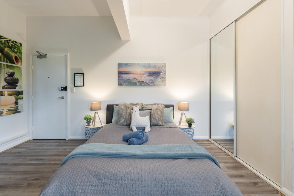 Spacious Studio 2mins to StationShopping Sleeps4 B - Accommodation in Brisbane