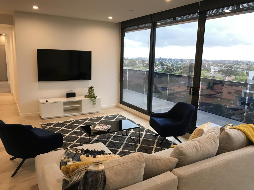 StayCentral Essendon Escape Sub-penthouse - Accommodation in Brisbane