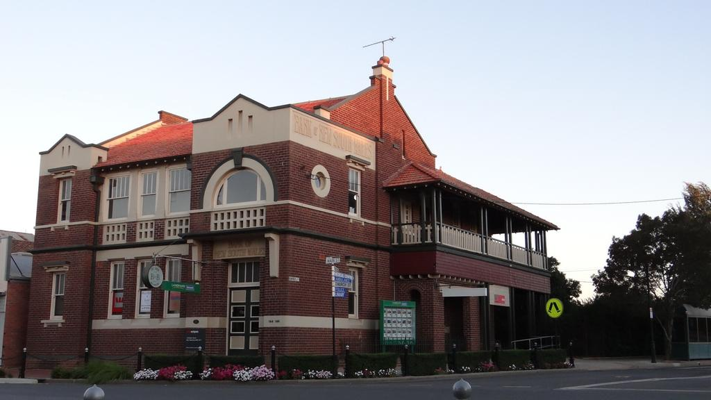 The Bank BB West Wyalong - Accommodation in Brisbane