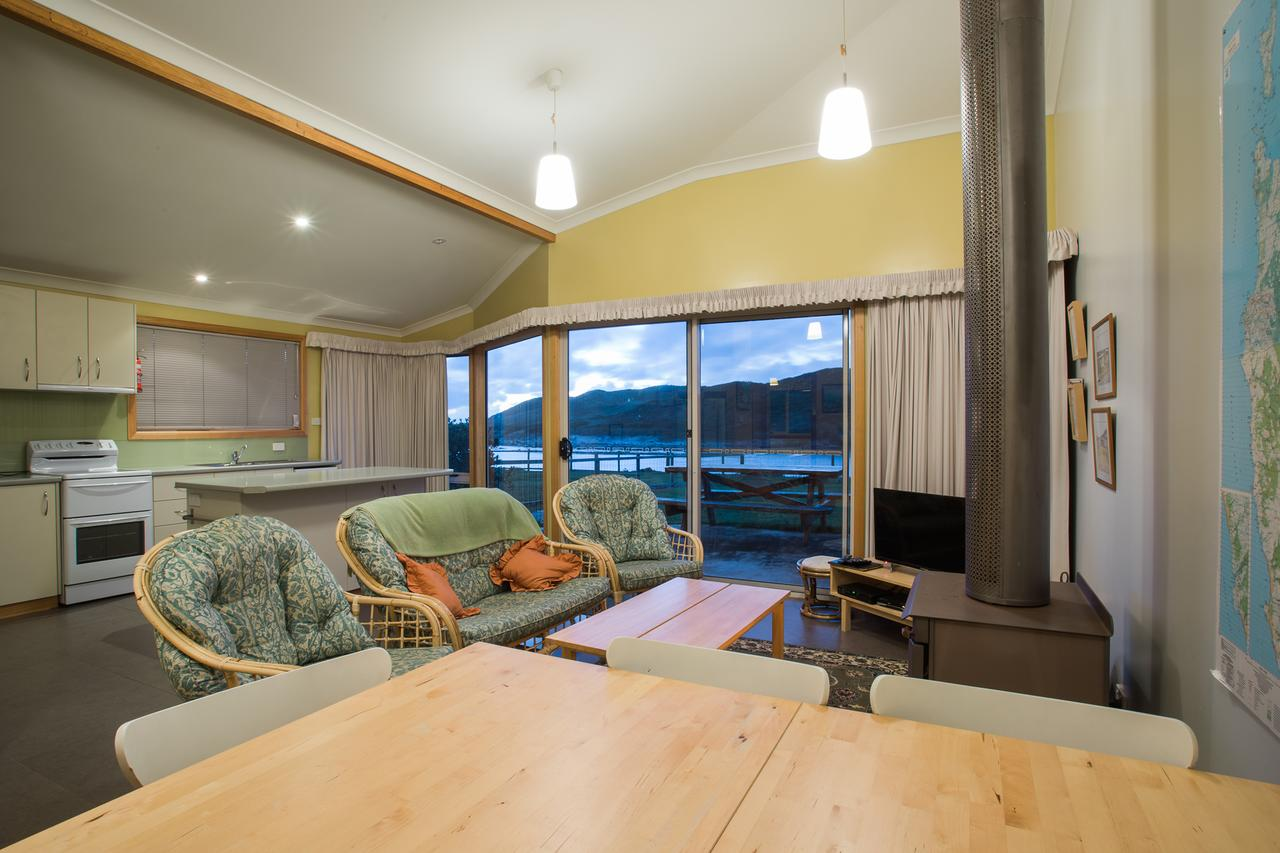 Arthur Riverfront and Sea Lodge downstream - Accommodation in Brisbane