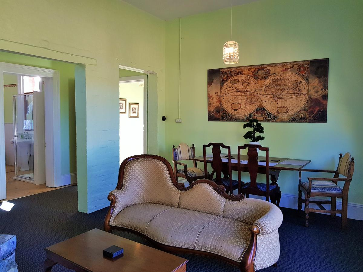 Coragulac House Cottages - Accommodation in Brisbane