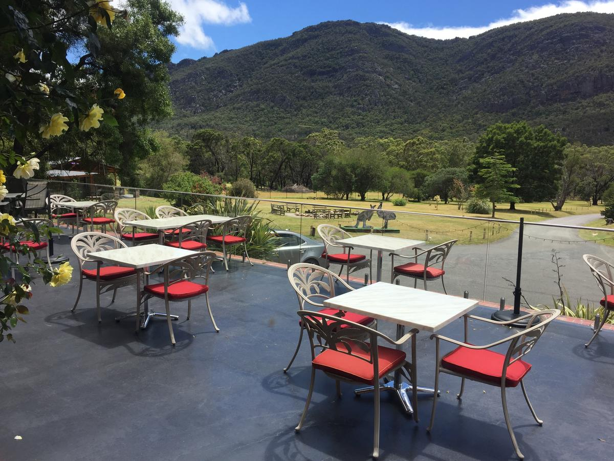 The Grampians Motel and The Views Bar  Restaurant - Accommodation in Brisbane