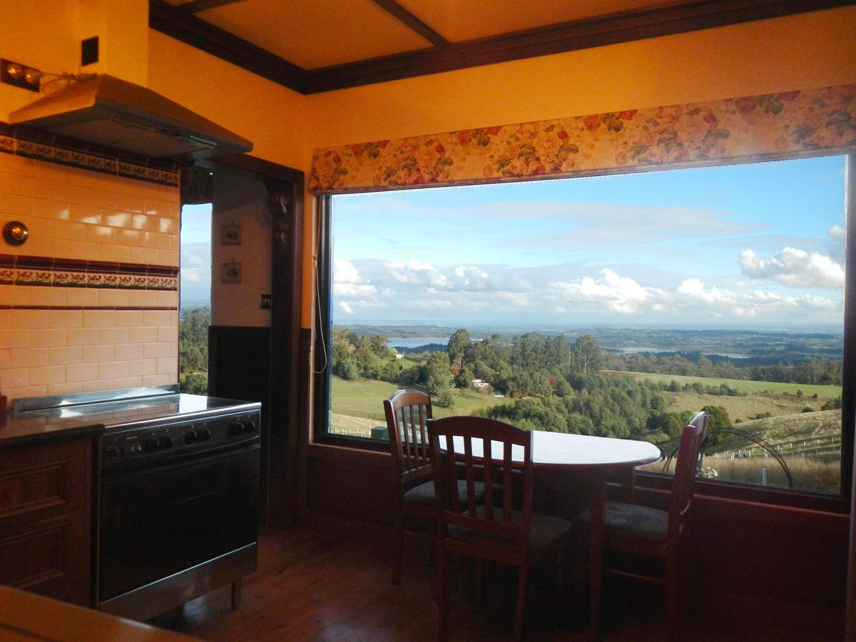 A Cottage with a View at Tudor Ridge - Accommodation in Brisbane