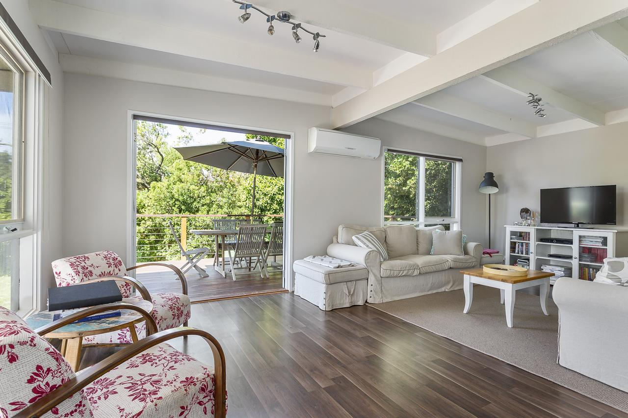 Blairgowrie Bella - light filled home with great deck - Accommodation in Brisbane