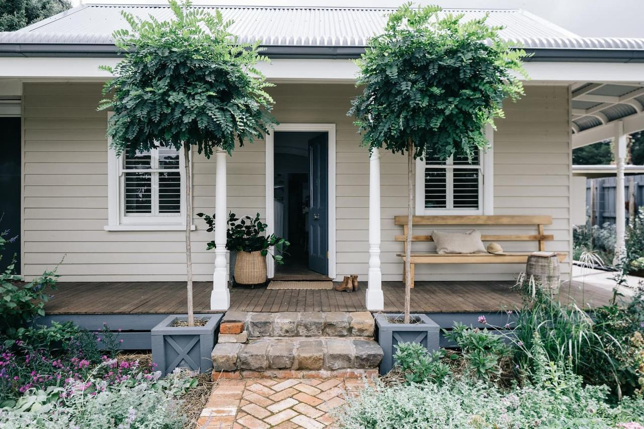 Acre of Roses - Accommodation in Brisbane