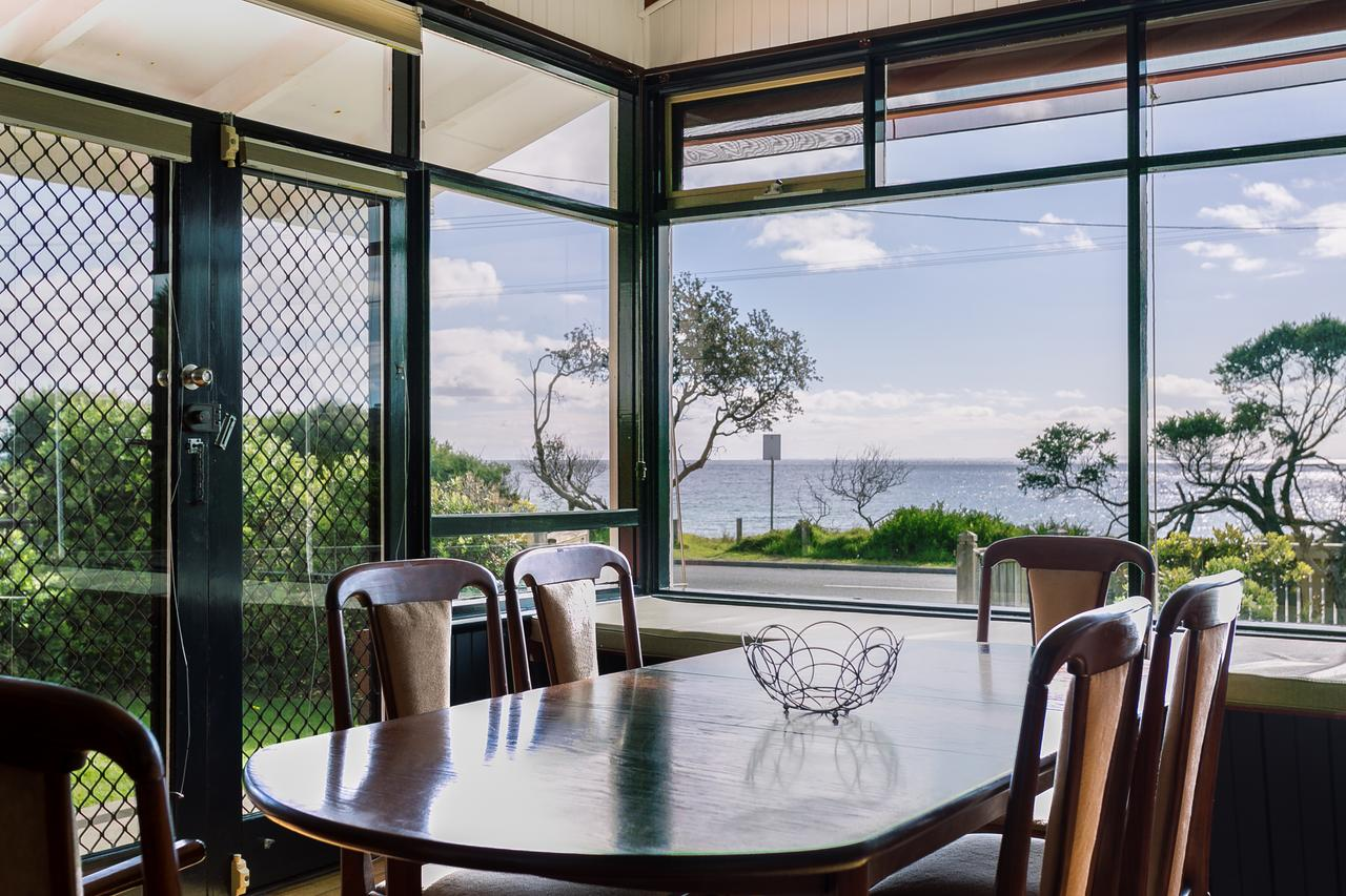 Beach Front Beauty - Ocean front views - Accommodation in Brisbane