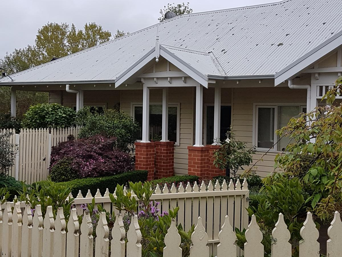 Healesville House - Fig Tree House - Accommodation in Brisbane