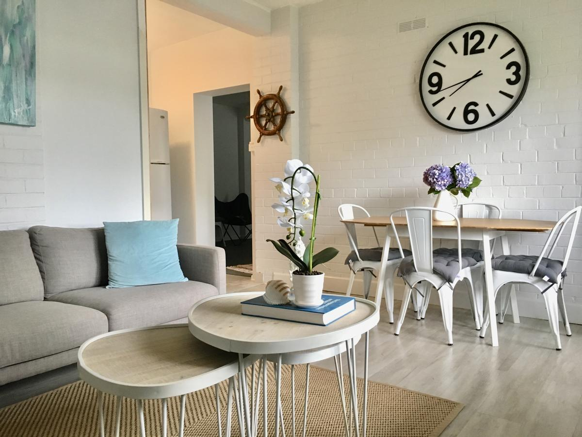 The Wheelhouse - 2BR Waterfront Apt in town - Accommodation in Brisbane