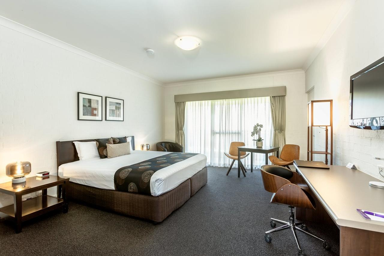 Blazing Stump Motel  Suites - Accommodation in Brisbane