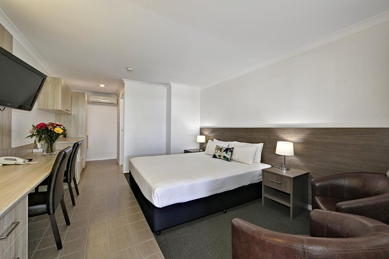 Smart Motels Bert Hinkler - Accommodation in Brisbane