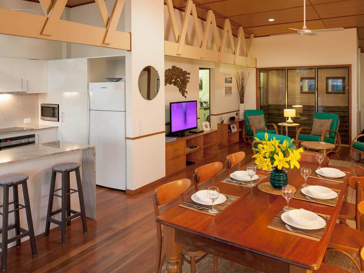 Claytons on Cylinder Beach Front - Accommodation in Brisbane