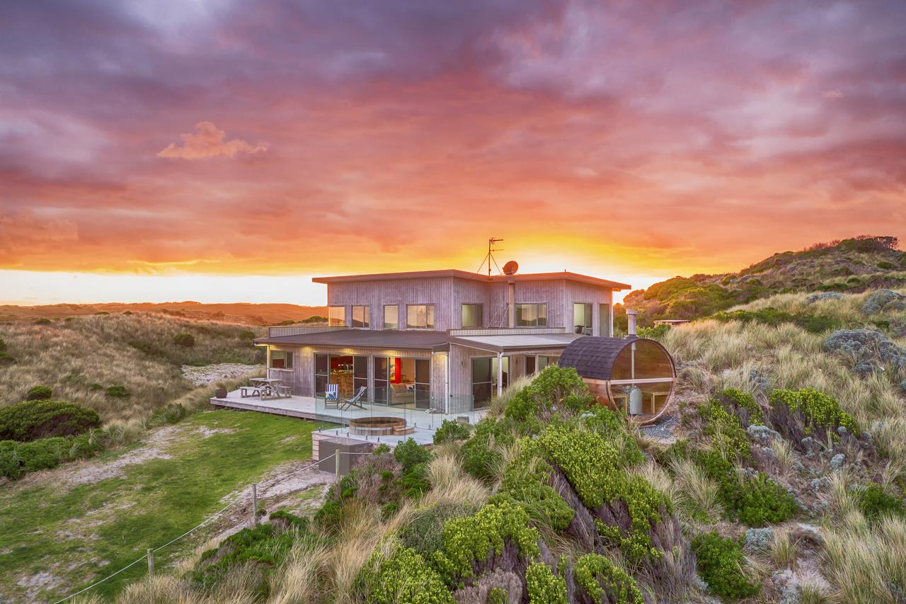 Porky Beach Retreat - King Island Escapes - Accommodation in Brisbane