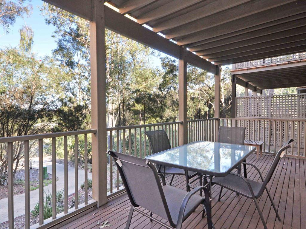 1 bedroom Executive Villa located within Cypress Lakes - Accommodation in Brisbane