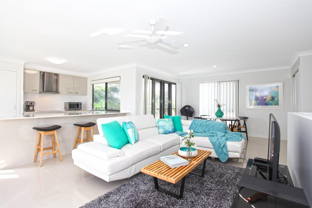 Beach Breeze Holiday House - Accommodation in Brisbane