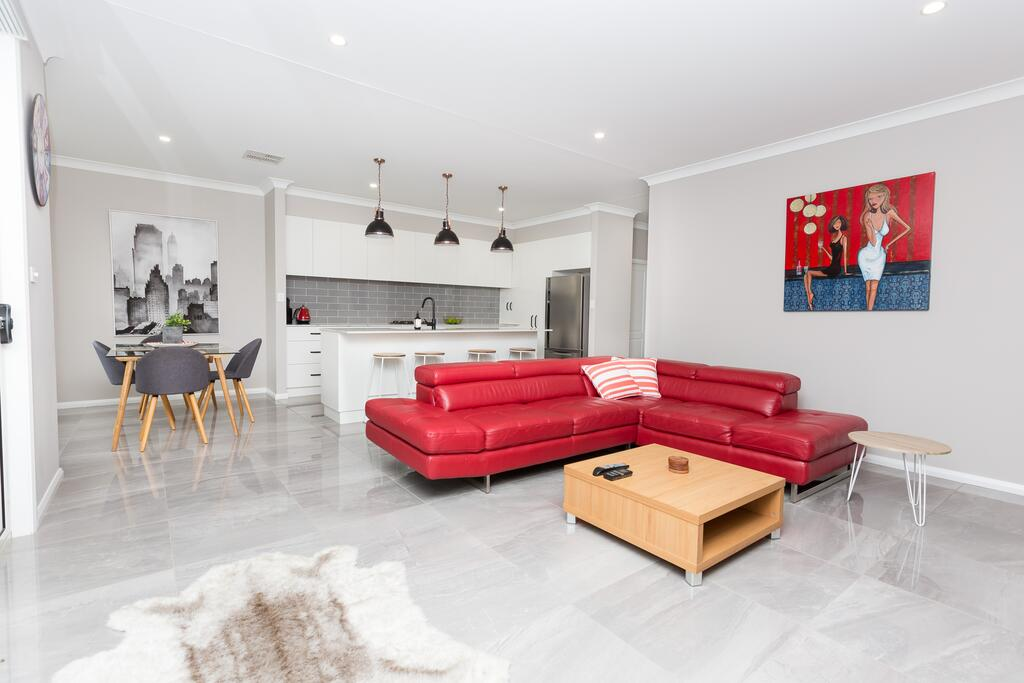Best Central Wagga Townhouse - Accommodation in Brisbane